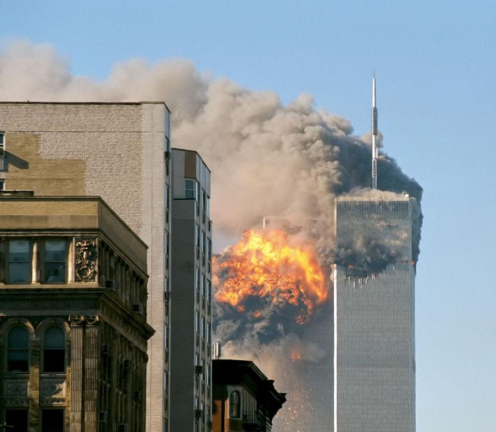 1024px-UA_Flight_175_hits_WTC_south_tower_9-11_edit